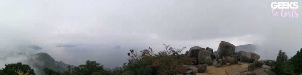 Vue non dégagée du sommet du mont Misen à Miyajima - Voyage au Japon.