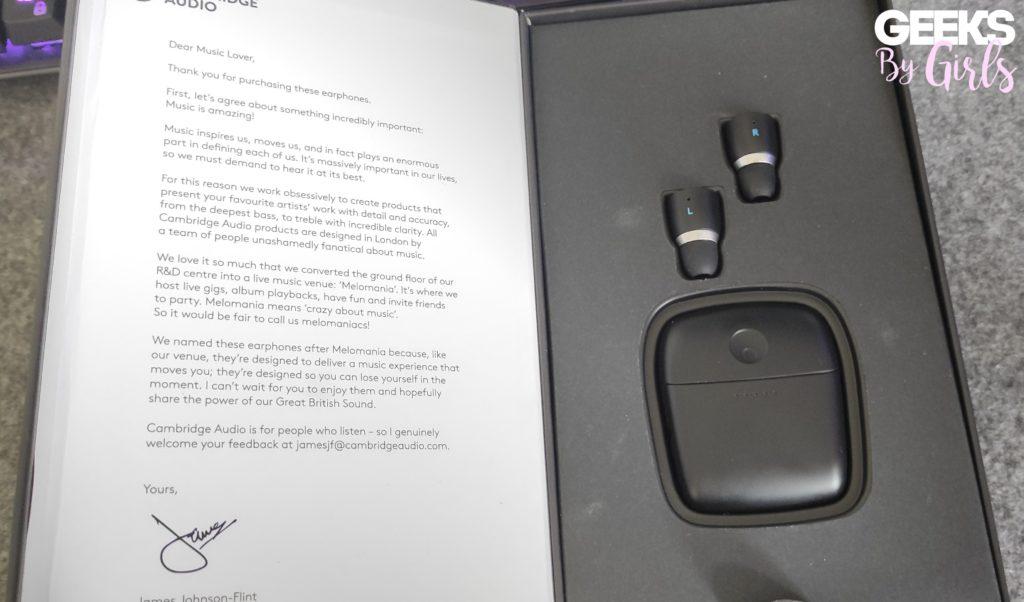 Boite contenant les écouteurs Melomania 1+ et ses accessoires